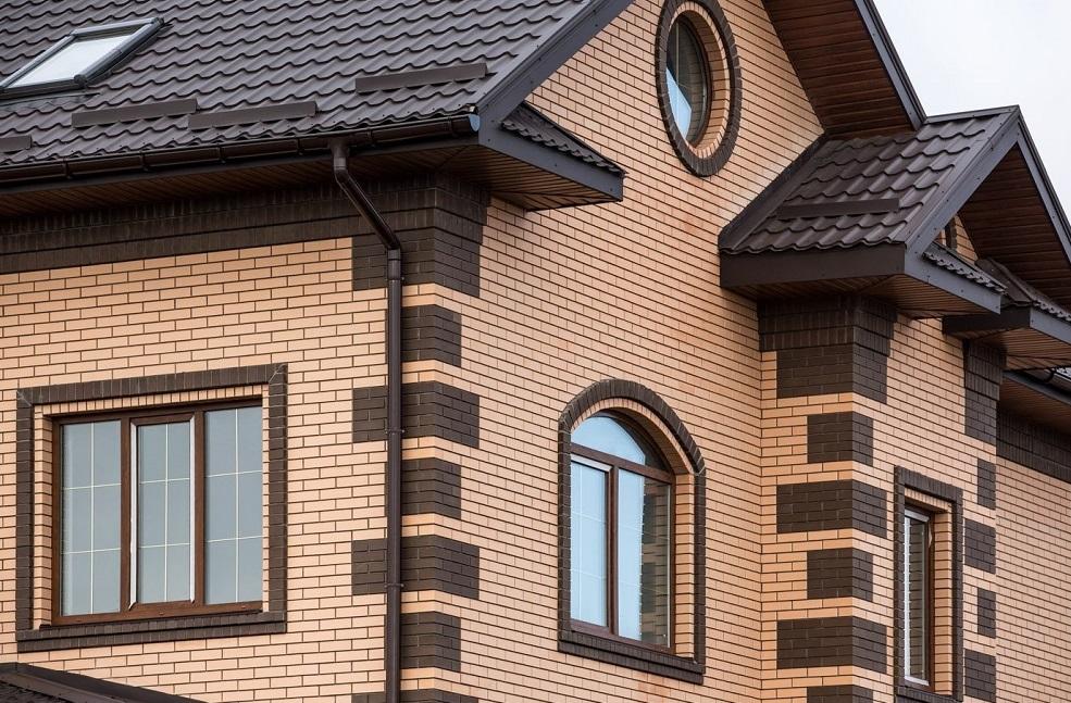 Фото вариантов кладки углов частных домов